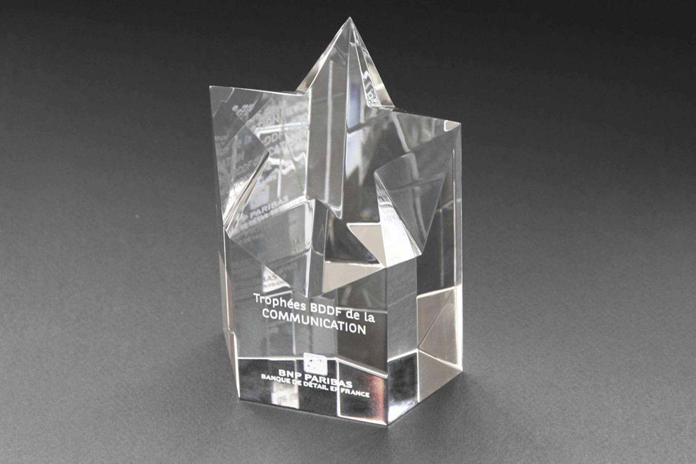 trophées en verre gravé avec texte