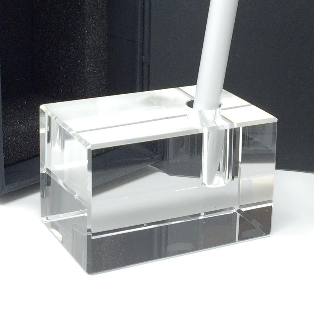 faites graver le slogan de votre societe dans ce porte stylo en verre
