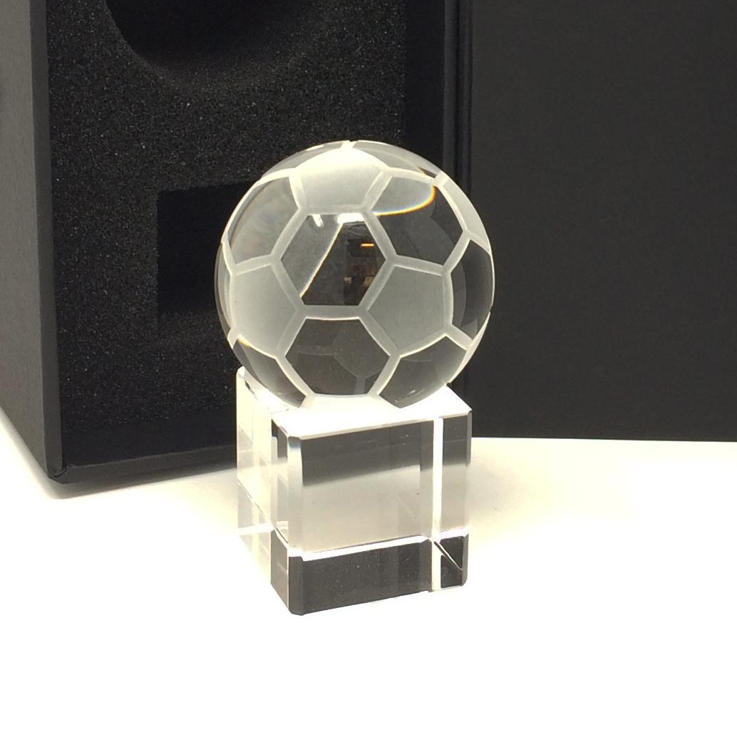 coupe verre foot, Coupe en forme de ballon de foot avec gravure