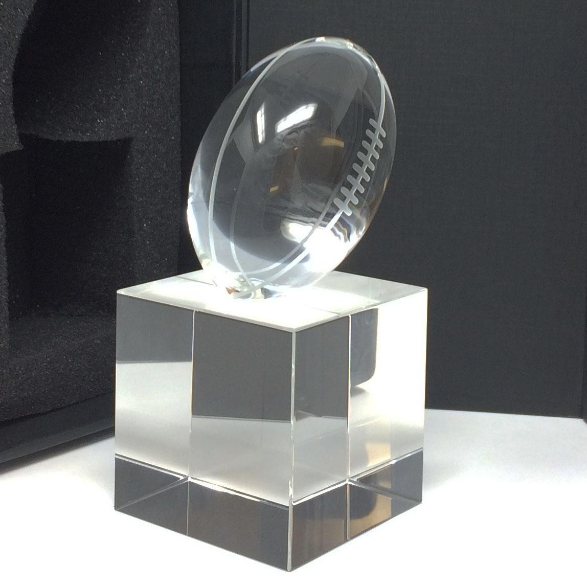 trophée en verre rugby