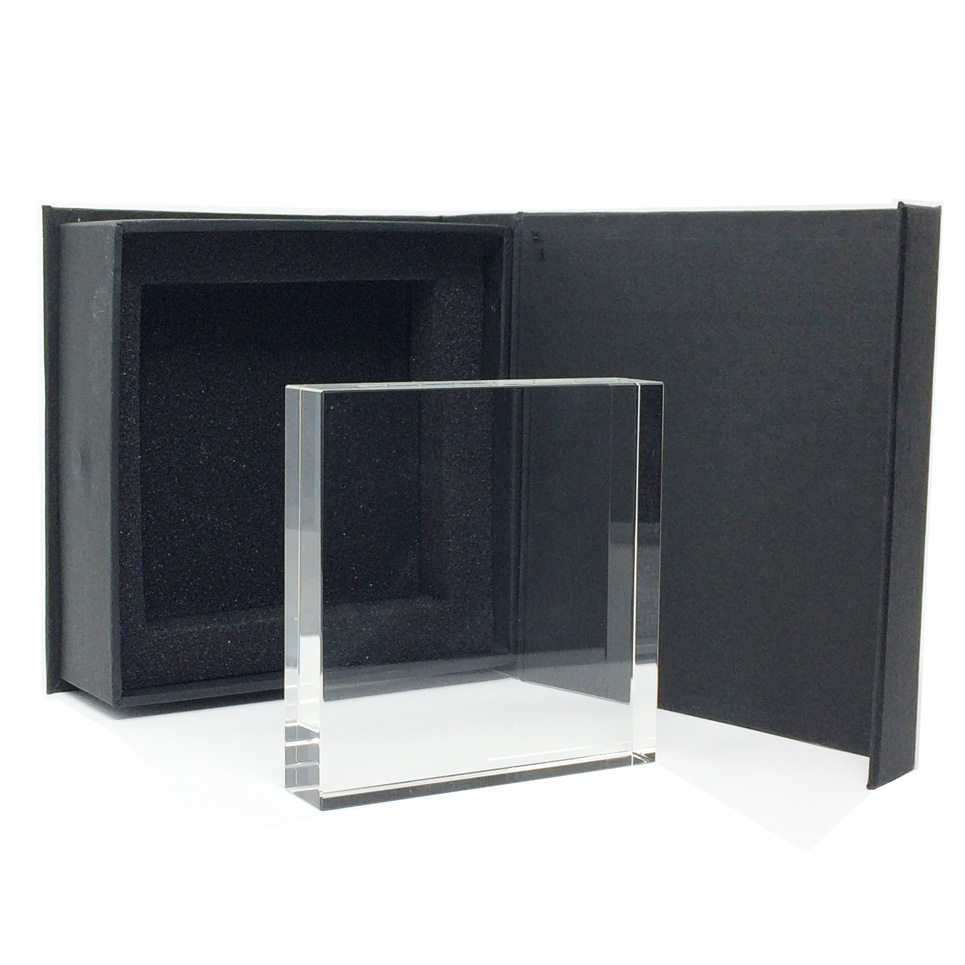 troph e plaque en verre carr pour gravure personnalise. Black Bedroom Furniture Sets. Home Design Ideas